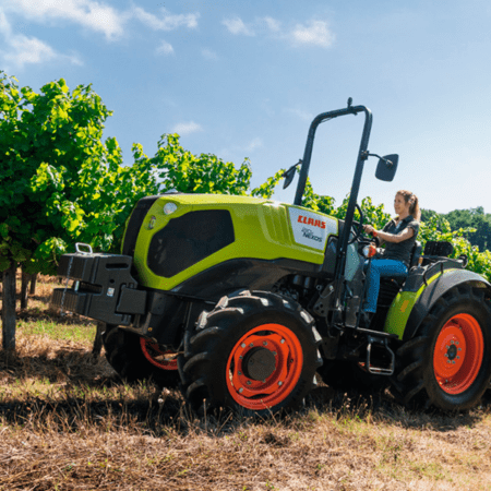 100% Tractor. 100% CLAAS